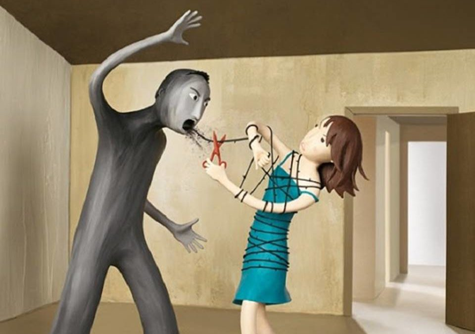 5 strategie con cui i narcisisti patologici manipolano e terrorizzano il partner