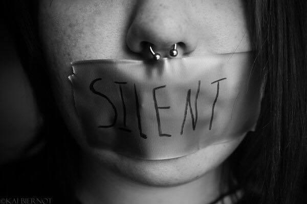 Il silenzio del narcisista: come reagire al trattamento punitivo del silenzio